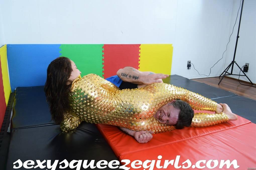 SSG-VC-045 Bella's Golden Squeeze