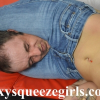 Paige-vs-Chris-jeans-headscissor-2 Paige vs Chris Jeans Headscissor