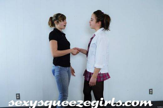 DSC_0590-520x345 SSG-PS-069 - Bella vs Arianne Schoolgirl Showdown